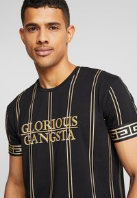 Glorious Gangsta - VERBAN VERTICAL STRIPE - Print T-shirt - black - 3