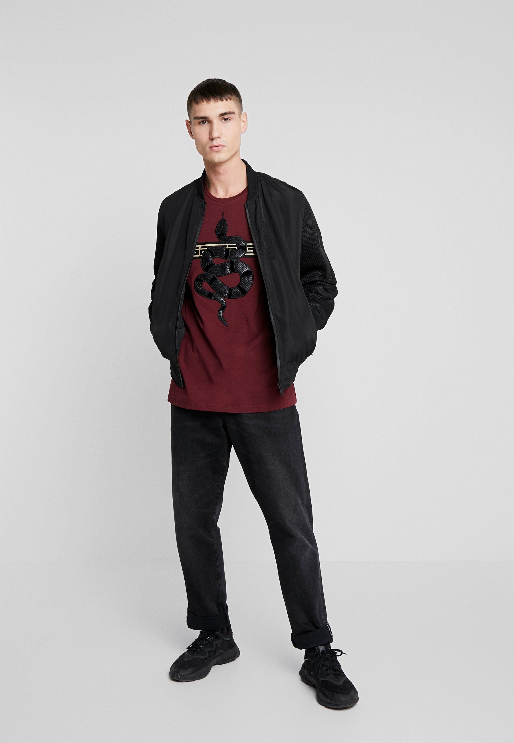 Glorious Gangsta LEVANEY - Print T-shirt - burguindy