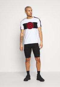 Glorious Gangsta - DALIAN - T-shirt imprimé - white - 1