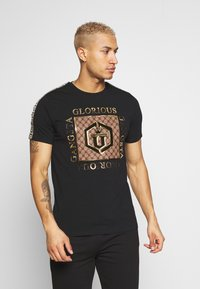 Glorious Gangsta - VASILI  - T-shirts print - black - 0