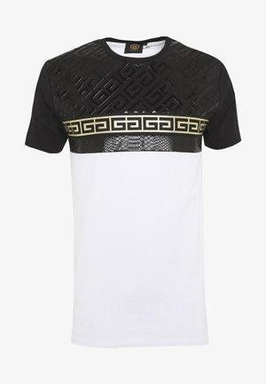 KOSTAS - T-shirt z nadrukiem - white