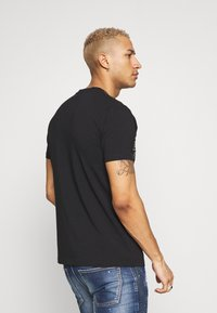 Glorious Gangsta - KOSTAS - T-shirt imprimé - black - 2
