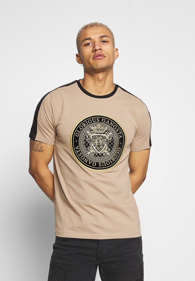 MERCY  - T-shirt con stampa - sand