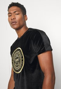 Glorious Gangsta - MARENO - T-shirt imprimé - black - 3