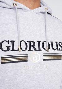 Glorious Gangsta - KALK LOGO HOODIE - Hoodie - grey marl - 4