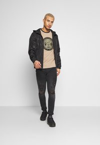 Glorious Gangsta - ELIGIO WINDRUNNER - Summer jacket - black - 1