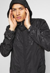 Glorious Gangsta - ELIGIO WINDRUNNER - Summer jacket - black - 4