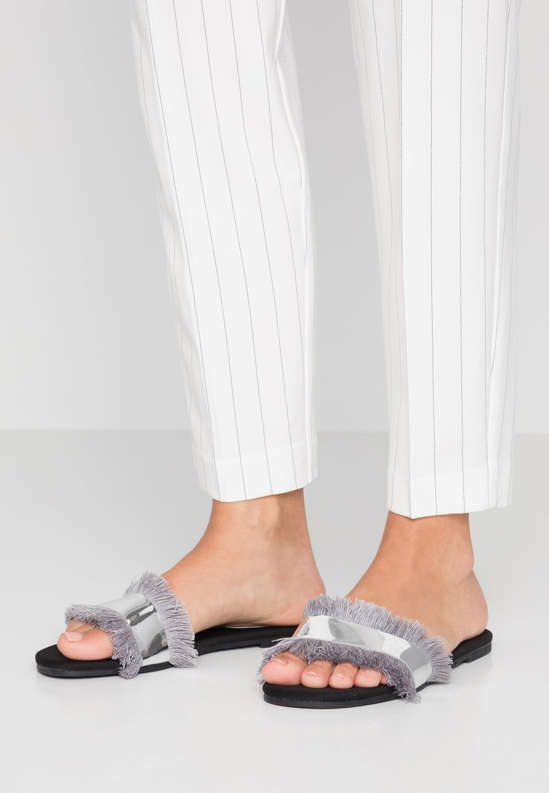Glamorous Wide Fit - Pantofle - grey