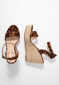 Glamorous Wide Fit - Sandalias de tacón - brown - 3