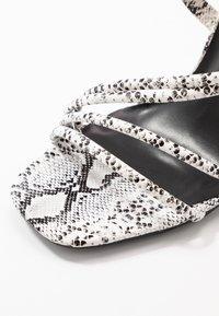 Glamorous Wide Fit - Sandales à talons hauts - grey - 2