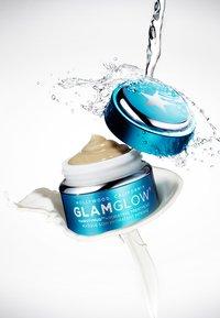 Glamglow - THIRSTYMUD HYDRATING TREATMENT - Crema da giorno - - - 2