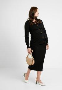 Glamorous Bloom - SKIRTS - Pouzdrová sukně - black - 1