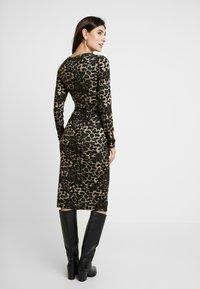 Glamorous Bloom - DRESS - Pletené šaty - brown - 3