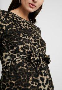 Glamorous Bloom - DRESS - Pletené šaty - brown - 6