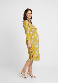 Glamorous Bloom - Denní šaty - dark ochre - 0