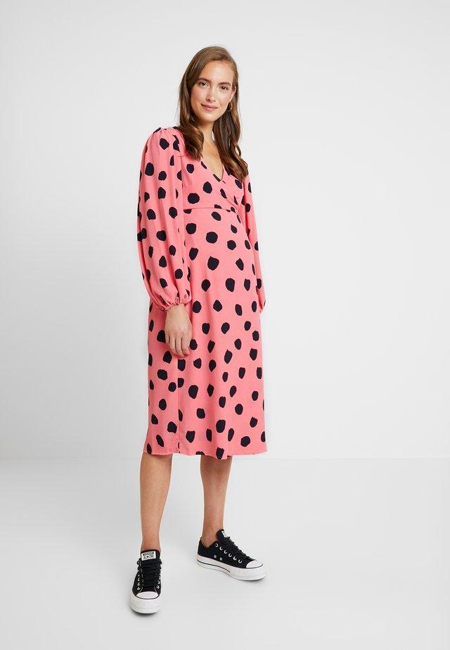 DRESSES - Freizeitkleid - pink/black