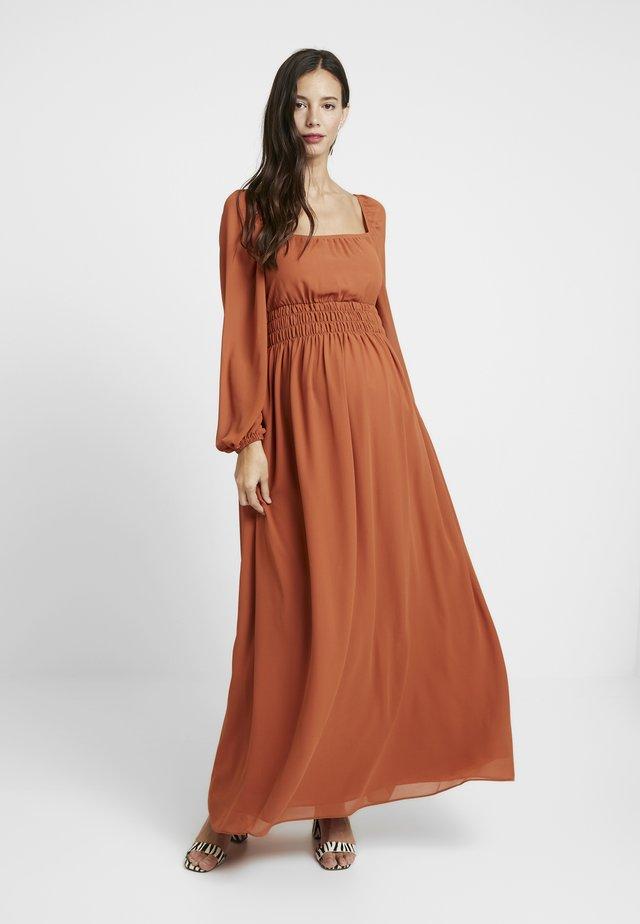 DRESS - Maxikjole - orange rust