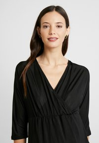 Glamorous Bloom - DRESS - Žerzejové šaty - black - 4
