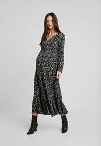 Glamorous Bloom - DRESS - Denní šaty - black cream winter ditsy - 0
