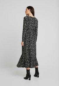 Glamorous Bloom - DRESS - Denní šaty - black cream winter ditsy - 3
