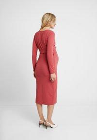 Glamorous Bloom - MIDI BELT DRESS - Sukienka z dżerseju - dusty raspberry - 3