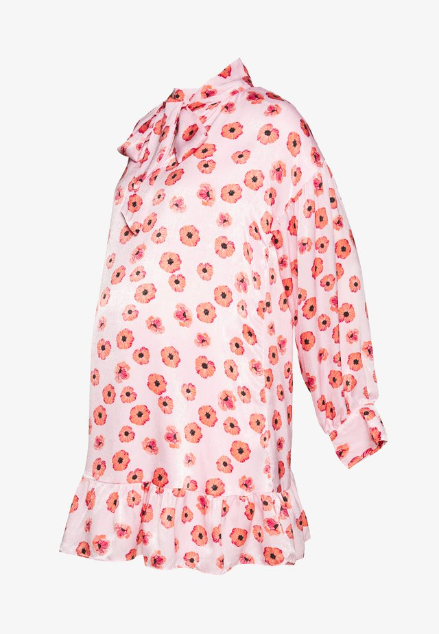 MINI PUSSYBOW DRESS - Robe d'été - pink
