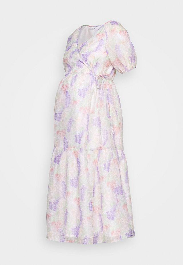 FLORAL WRAP DRESS - Korte jurk - lilac