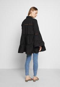 Glamorous Bloom - Camisa - black - 2