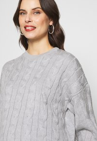 Glamorous Bloom - CABLE KNIT - Svetr - grey - 4