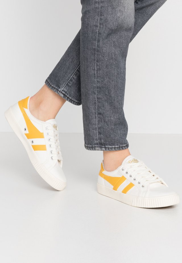 TENNIS MARK COX - Trainers - offwhite/sun