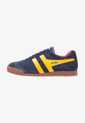 CMA192 - Sneaker low - navy/sun/red