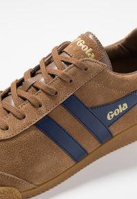 Gola - HARRIER - Sneakers laag - caramel/navy - 5