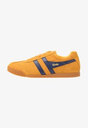 HARRIER - Sneakers - sun/navy