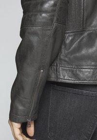 Goosecraft - Leather jacket - caviar - 6
