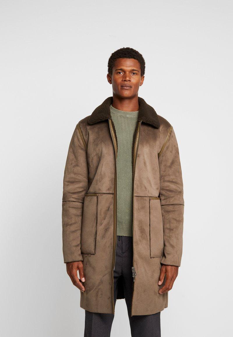 Goosecraft - OLIVER COAT - Classic coat - woodgreen
