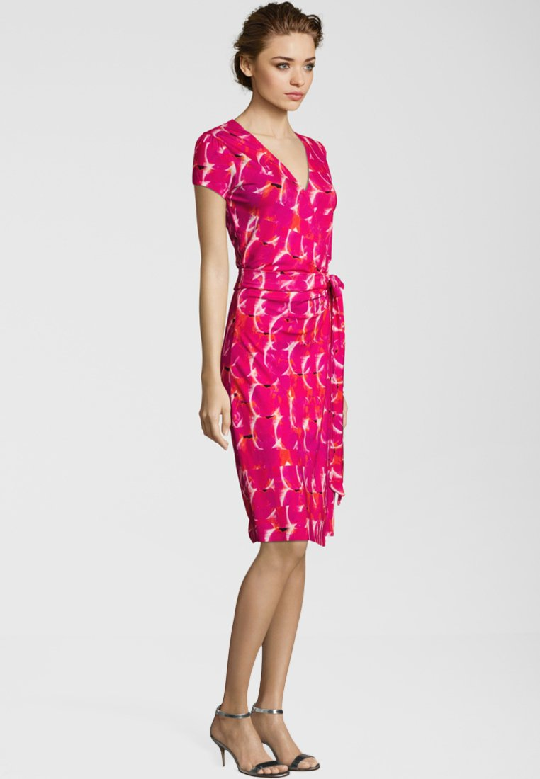 miss goodlife - Jersey dress - pink