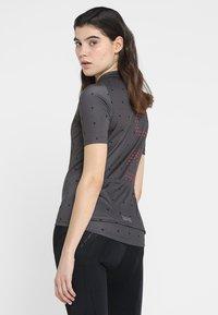 Gore Wear - T-Shirt print - terra grey/hibiscus pink - 2