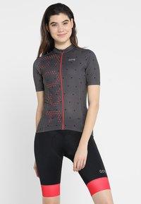 Gore Wear - T-Shirt print - terra grey/hibiscus pink - 0