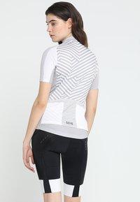 Gore Wear - DAMEN TRIKOT - T-Shirt print - white/light grey - 2