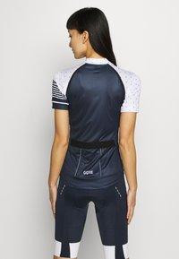 Gore Wear - TRIKOT - T-Shirt print - orbit blue/white - 2