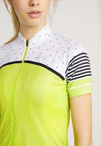 Gore Wear - TRIKOT - T-Shirt print - citrus green/white - 4