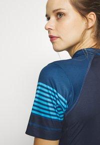 Gore Wear - TRIKOT - T-Shirt print - orbit blue/deep water blue - 6