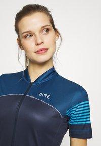 Gore Wear - TRIKOT - T-Shirt print - orbit blue/deep water blue - 3