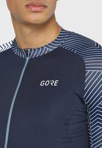 Gore Wear - TRIKOT - T-Shirt print - marine blue/white - 6
