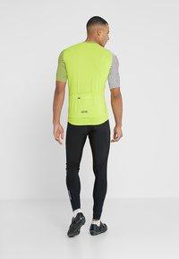 Gore Wear - OPTILINE TRIKOT - T-Shirt print - citrus green/white - 2