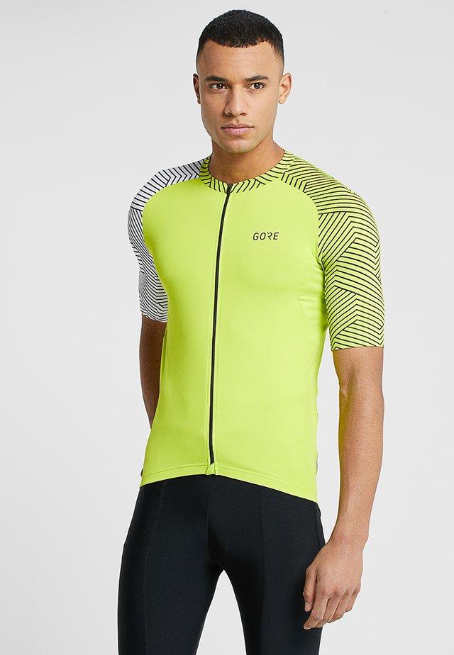 TRIKOT - T-shirts print - citrus green/white