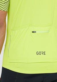 Gore Wear - OPTILINE TRIKOT - T-Shirt print - citrus green/white - 4