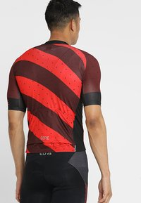 Gore Wear - TRIKOT - T-Shirt print - red/black - 2