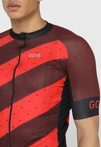 Gore Wear - TRIKOT - T-Shirt print - red/black - 7