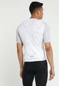 Gore Wear - TRIKOT - T-Shirt print - white/light grey - 2